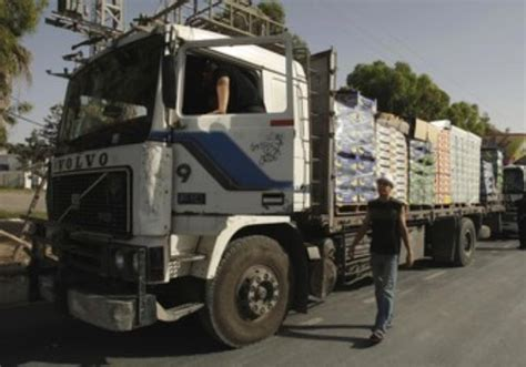 Topi Trucker Save Gaza Palestine 70 trucks with construction material enter gaza from