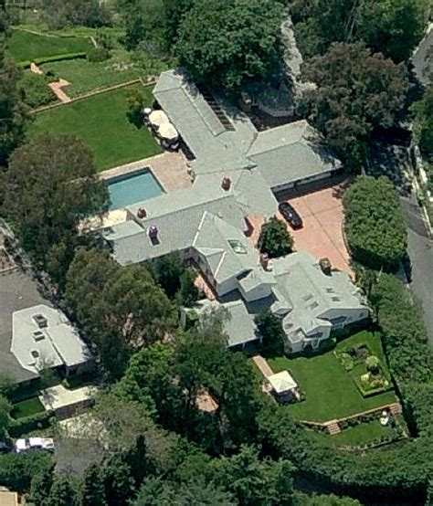 nick cannon house 187 celebrity garden