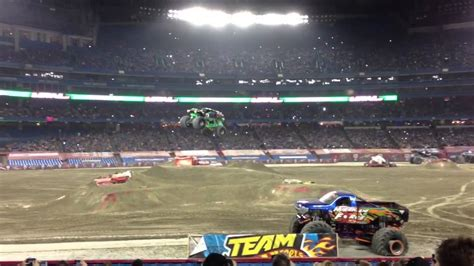 truck jam toronto jam grave digger freestyle at rogers centre