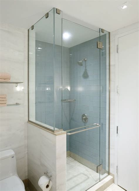 Small Bathroom Corner Shower Shower Stall Exle Small Bath Ideas Pinterest