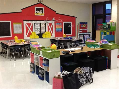 farm themed classroom decorations 1st grade fantabulous manic mondays