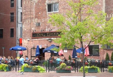 irish section of boston boston irish pubs irish bars boston discovery guide