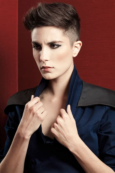 wmens pixie cut with shaved sides shaved sides pixie cool short hair pinterest shaved