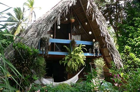 Photo example of a small beach home on Isla Grande in Panama