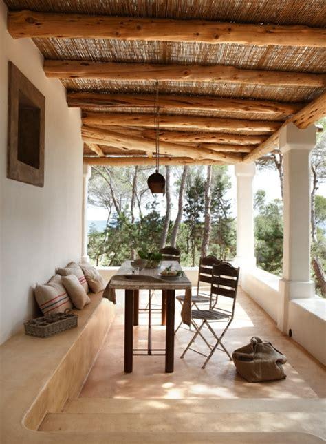mediterrane terrassen berdachung terrasse mediterran garten terrasse mediterran kunstrasen