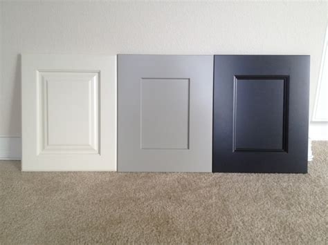 Benjamin Moore Onyx by Sequoia Cabinetry Sherwin Williams Dover White Dorian
