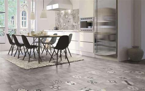 mattonelle pavimento cucina cementine in cucina dal pavimento ai rivestimenti le