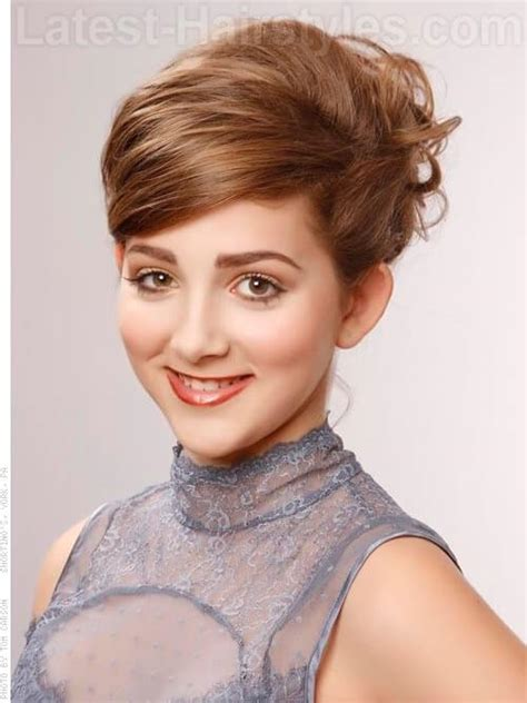 brunette short haircuts for thinning hair for women 37 flattering hairstyles for thinning hair popular for 2018