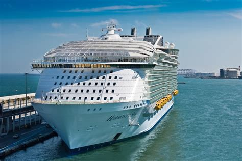 royal caribbean largest ship 31 wallpaper royal caribbean cruise ships largest to