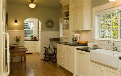 how to make a galley kitchen look larger 4 decorating ideas how to make a galley kitchen look
