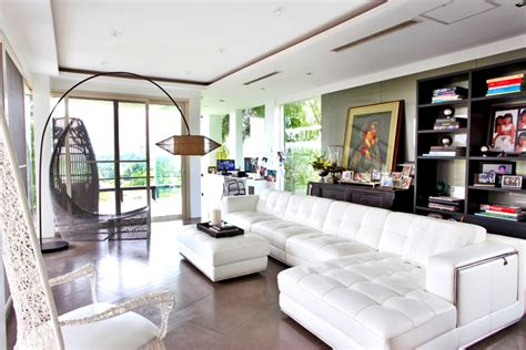 Modern Pieces fill Ogie Alcasid and Regine Velasquez Alcasid's House   RL