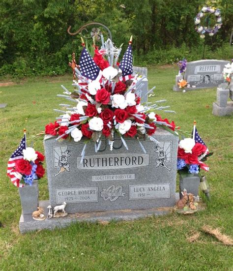 Grave Decorations by 25 Best Ideas About Cemetery Decorations On