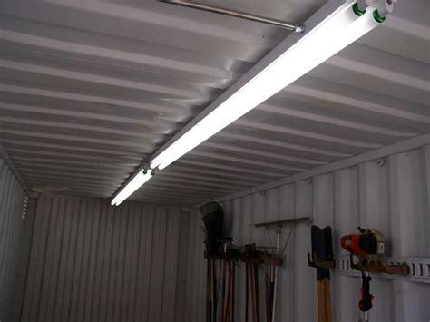 Fluorescent Lighting: Single 8 Fluorescent Light Fixture Ballast 8' T5 Light Fixtures, 8' LED