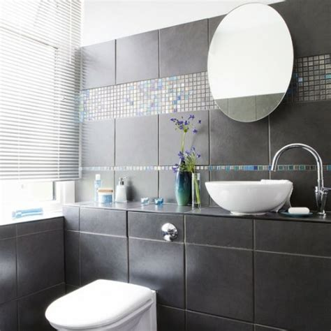 badezimmer fliesen design 33 dunkle badezimmer design ideen