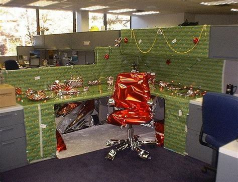 work christmas decorating ideas 20 creative diy cubicle decorating ideas hative