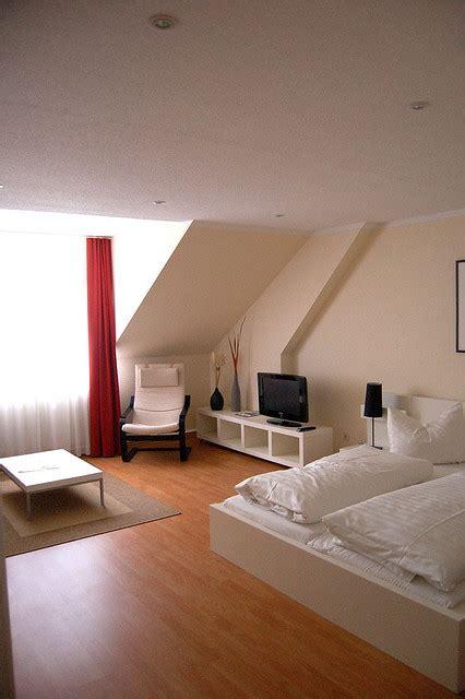 wohnzimmer wandfarben trends - Funktionelle Möbel Für Kleine Räume