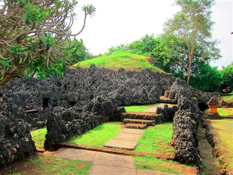 Daftar Sofa Di Cirebon tempat wisata di cirebon taman sari gua sunyaragi