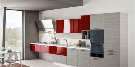 mobili per cucine piccole cucine piccole composizioni compatte anche per il