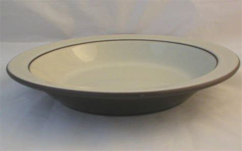 click to see a larger image hornsea pottery cornrose large rimmed bowls click on