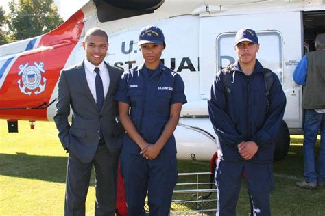 Coast Guard Officer Pay by Helicopter Landing Kicks Recruiting At Hu For Coast