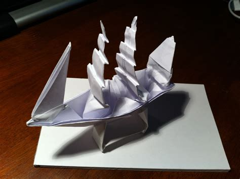 How To Make A Pirate Ship With Paper - 149 the black pearl in a bottle setting the crease