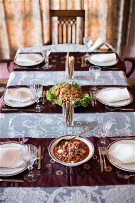 how to use a table runner how to use table runners