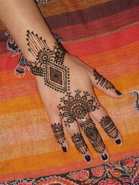 finger henna tattoo designs 35 back mehndi design ideas for eid 2015