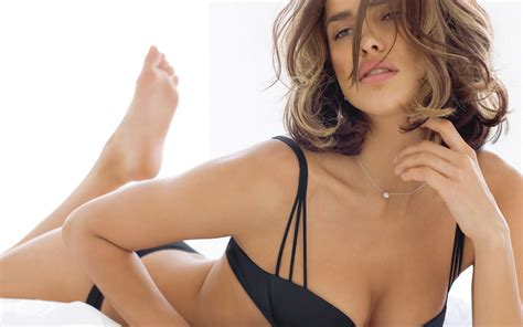 irina shayk hot all types free wallpapers hot bikini bra beautiful