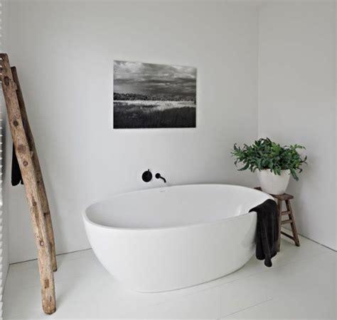 Ordinaire Infrarouge Salle De Bain #4: robinet-infrarouge-salle-de-bain-blanc-noir.jpg