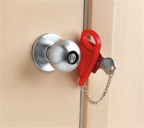 how to pop a bedroom door lock temporary portable door lock