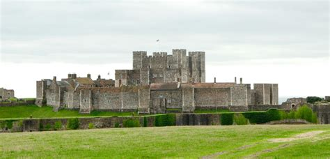 dover castle dover castle on aboutbritain com