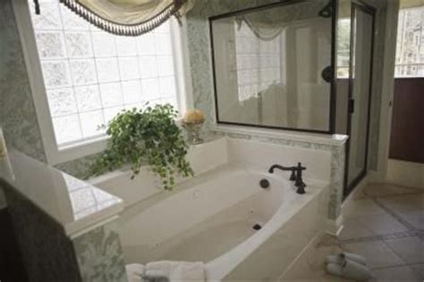 how to remove water stains from bathtub remove all stains com how to remove hard water stains from bathtubs