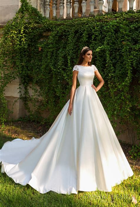New Sevilla Dress beautiful wedding dresses from the 2017 design