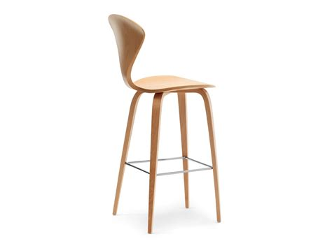 Wooden Bar Stools Uk by Buy The Cherner Bar Stool With Wooden Base At Nest Co Uk