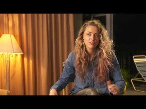 magic mike xxl behind the magic mike xxl amber heard quot zoe quot behind the scenes movie