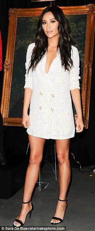 Shay Mitchell flashes major leg at PLL event   Daily Mail Online