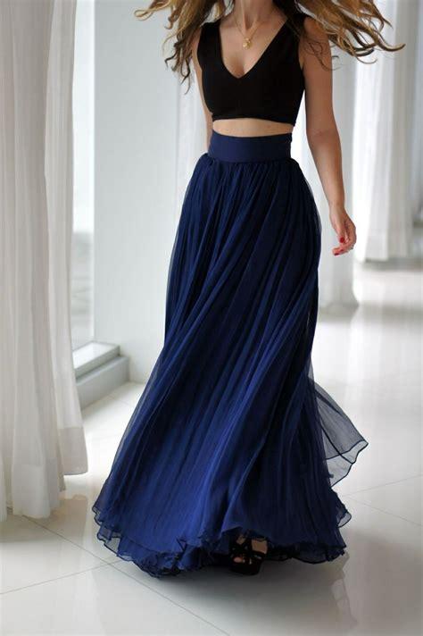 black crop top navy blue maxi skirt it