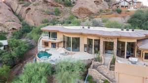 One Story Homes alicia keys lists glass mansion on a phoenix mountain
