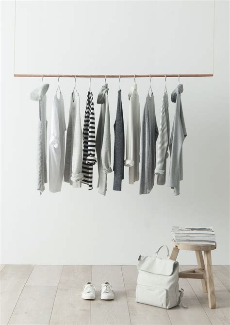 Minimilist Wardrobe by Monday Mood Building A Minimalist Wardrobe