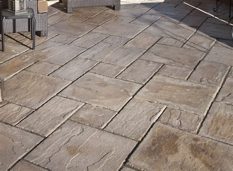 Brentwood Decorative Rock by Brentwood To Feature New Reading Rock Pavers Brentwood