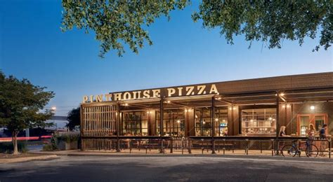 pint house pizza pinthouse pizza restaurant beer branding grits grids