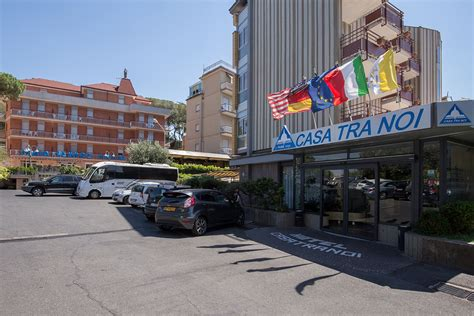 casa a roma hotel casa tra noi roma lazio dlt viaggi