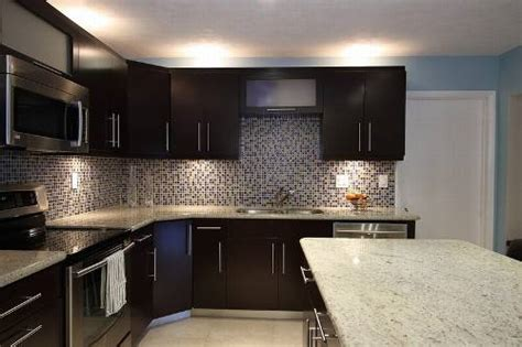 Kitchen Backsplash Ideas With Dark Cabinets | dark kitchen cabinet backsplash idea the interior design
