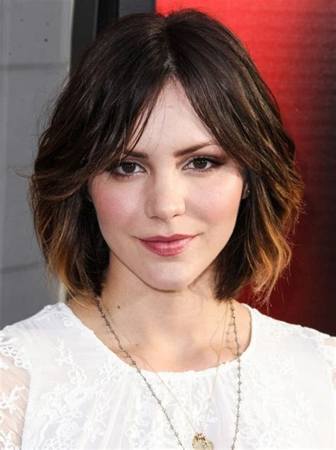 short hair parted in the middle layered in back cute medium short hairstyles katharine mcphee hair