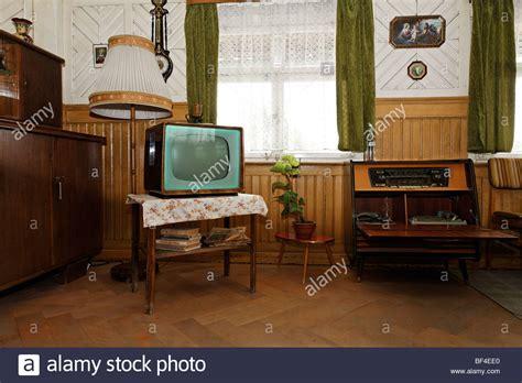 wohnzimmer 40er jahre wohnzimmer mit originalen m 246 beln aus den 50er jahren alte