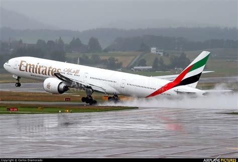 emirates zurich a6 ecq emirates airlines boeing 777 300er at zurich