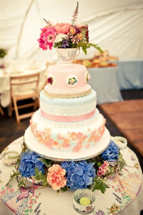 Show Me Some Wedding Cakes by Bees Show Me Some Ideas For Mis Matched Cakes