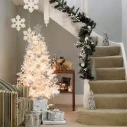 Christmas decoration ideas for white christmas trees