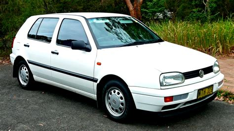 Volkswagen Pointer by Volkswagen Pointer 1994 On Motoimg