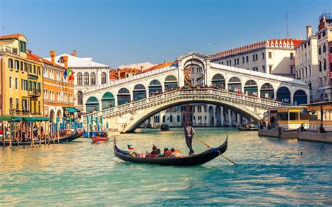 venice boat transportation trazee travel tips for navigating public transportation